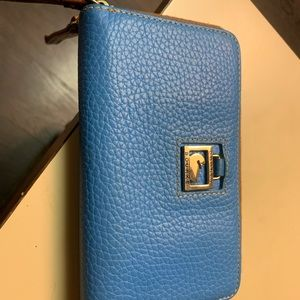 NWOT Dooney & Bourke super soft leather wallet